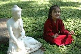 kids meditating