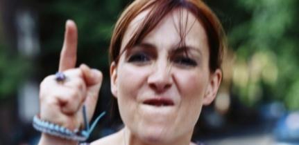 mulher-brava-descontrolada-descontrole-irritacao-briga-discussao-1317215715267_615x300